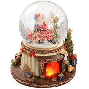 pictures of christmas snow globes